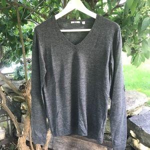 Uniqlo Basic Gray 100% Merino Wool Sweater M